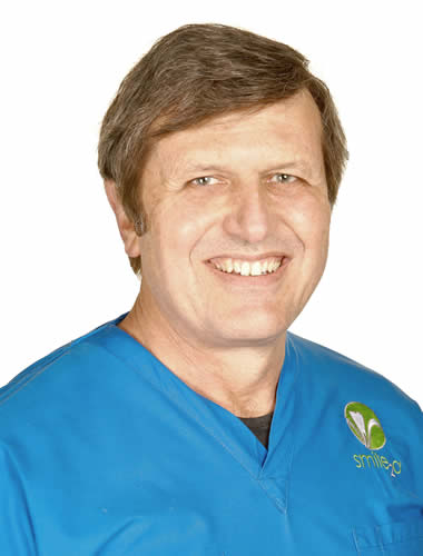 Dr Hennie Van Jaarsveld is a registered specialist Periodontal Surgeon